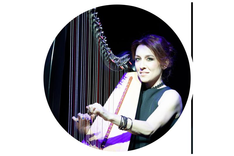 micol play harp
